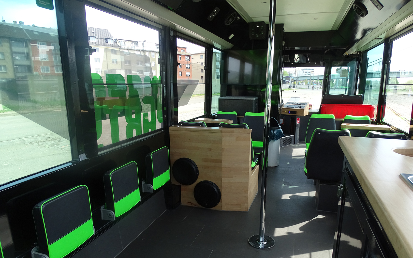 MEGA-Partybus 169