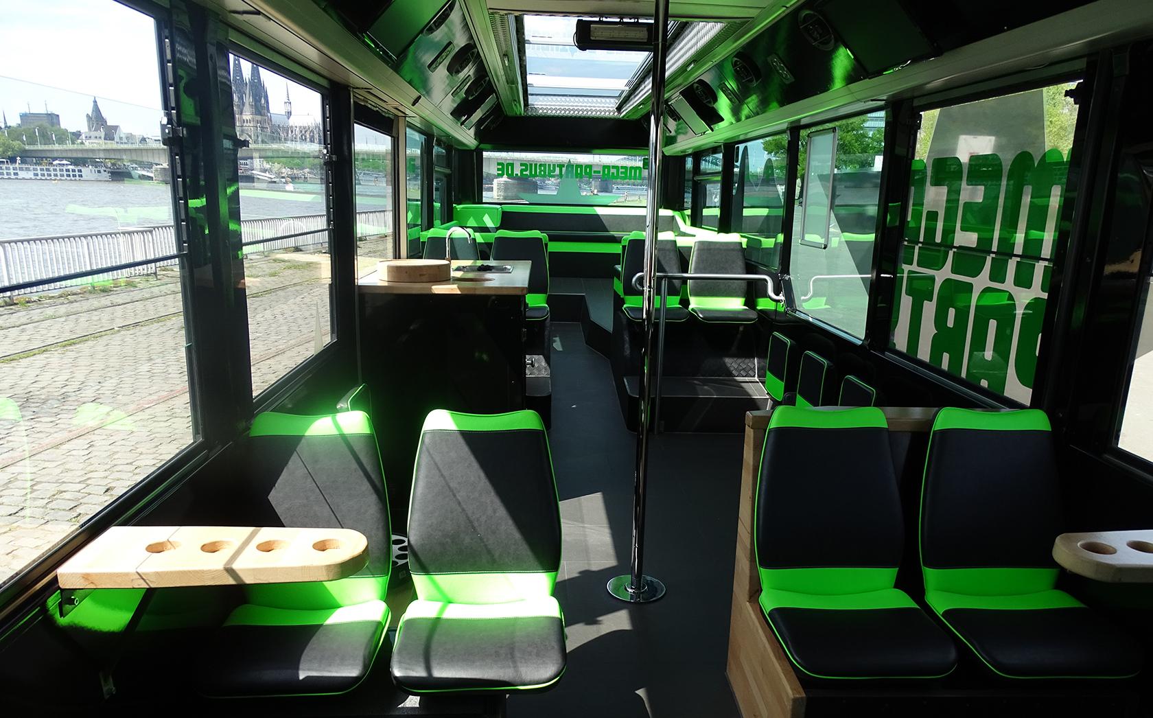 MEGA-Partybus 181